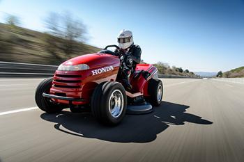 Honda 芝刈機の世界最速ギネス記録を達成